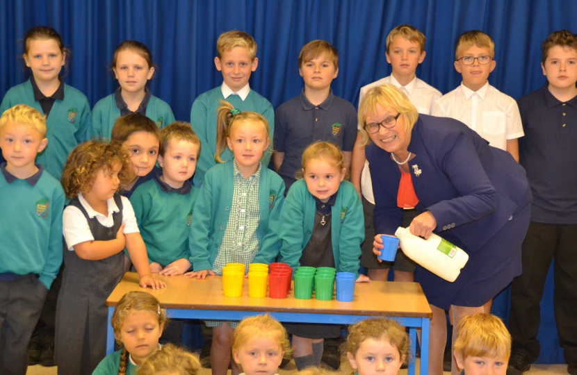 Sheryll Murray MP and the children of St Neot Community Primary School